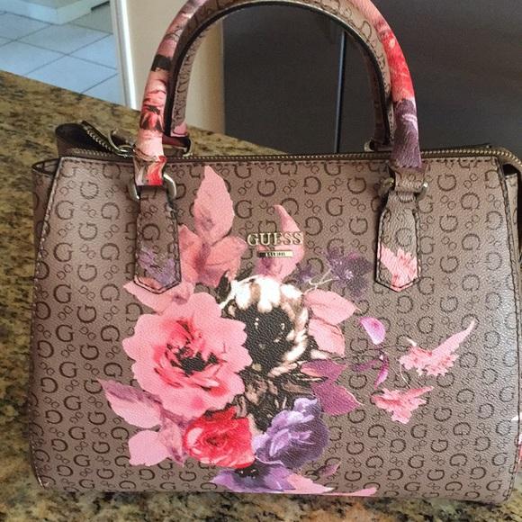 7f930b0e8af1 Guess Handbags - Guess floral handbag